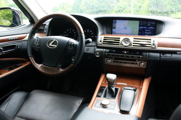 Lexus LS460 Dash