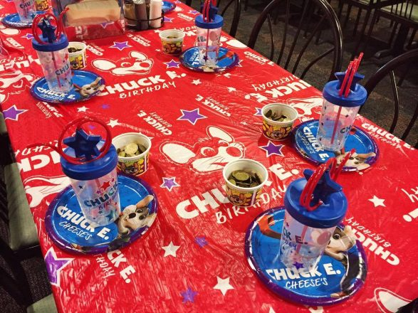 Book A Chuck E Cheese Birthday Party And Your Kid Becomes The Star